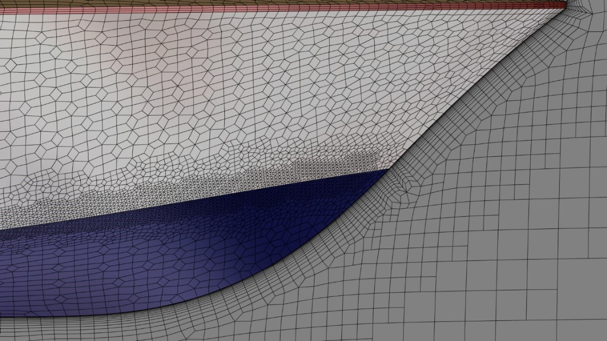 Fig.1: Close-up of the viscous layer along the hull with fixed first cell size, large number of layers and a smooth transition into the Euler mesh